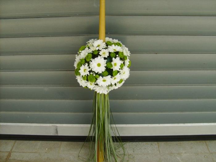 Lumanare Botez Santini Crizanteme Albe Aranjament Botez