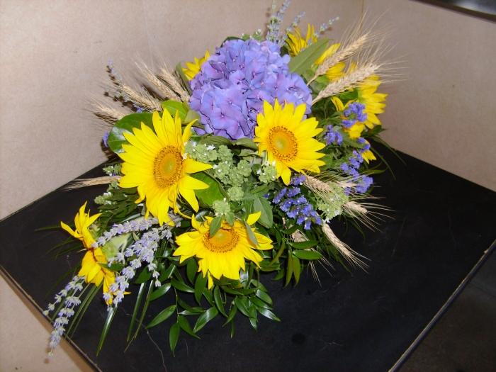 Aranjament Masa Hortensia Floarea Soarelui Lavanda Spice De Grau