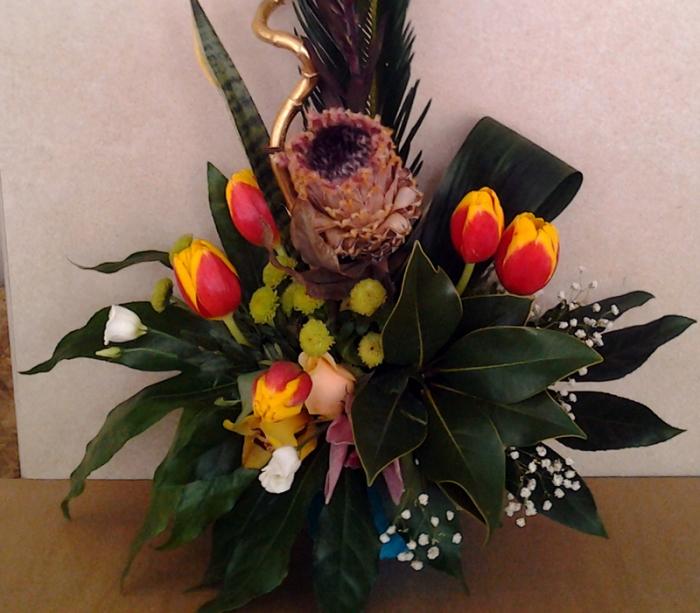 Aranjament Floral In Vas Lalele Aranjament Floral